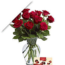 Valentine Roses With Chocolates: Love Gifts to Australia