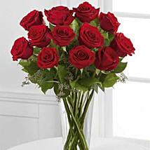 Classic Romance: Rose Day Gifts to Canada