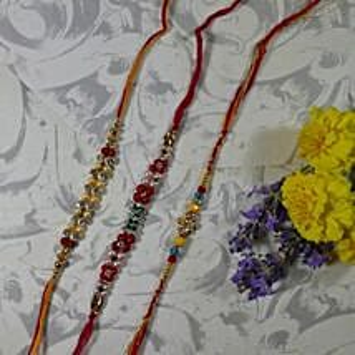Trendy Rakhi Set Of Three: Set of 3 Rakhi to Canada