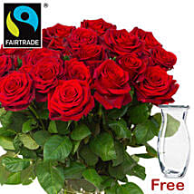 Bunch Of Romantic Red Roses: Gifts to Frankfurt
