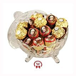 Mozart Rocher Royal: Valentine Chocolates to Germany
