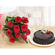 Forever Love Gift Combo: Mothers Day Cakes in Kuwait
