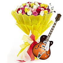 Beautiful Melodies: Send Thanks Giving Day Flowers