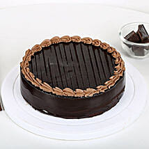 Chocolate Truffle Royale: Romantic Chocolate Cakes
