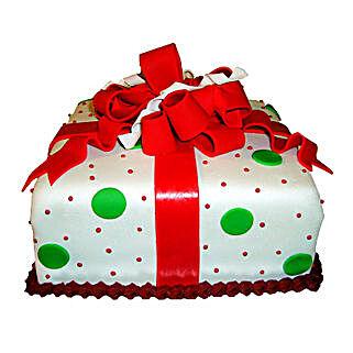 Exquisite Christmas Gift Cake: Send Christmas Giftsto Chennai