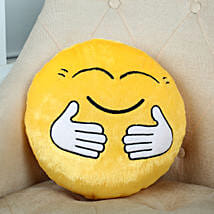 Hugging Smiley Cushion Yellow: Valentines Day Gifts Kota