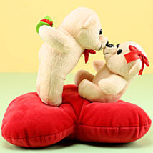 Kissing Teddy: Kiss Day Gifts