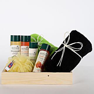 Luxurious Herbal Spa Hamper: Cosmetics & Spa Hampers for Karwa Chauth