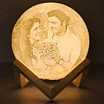 Personalised Couple Moonlight Lamp: Send Valentine Gifts to Dehradun