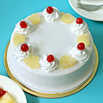 Pineapple Cake: Send New Year Cakes to Pune