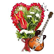 Red Musical and Classic: Send Thanks Giving Day Flowers
