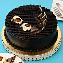 Rich Chocolate Splash Cake: Send Birthday Cakes to Nashik