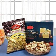 Smart Munch Hamper: Send Karwa Chauth Gift Hampers