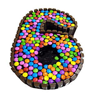 Special 6 Kit Kat Cake: