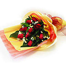 Enchanting Bouquet of Roses: Valentine's Day Gift Malaysia