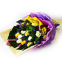 Mixed Happiness Bouquet: Romantic Gifts to Malaysia
