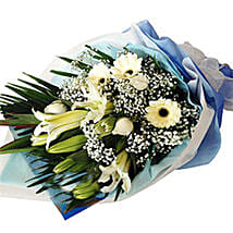 Soothing Bouquet Of Love: Lilies to Malaysia