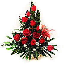 Splendid Rose Arrangement: Valentines Day Roses Delivery in Malaysia