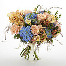 Bloom Seasonal Bouquet: Romantic Gifts to Nz