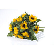 Bright Sunflower Bouquet: Friendship Day Gift Delivery In NZ
