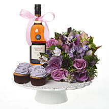 Lilac Extravaganza Combo: Romantic Gifts to New Zealand