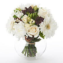 White N Green Posy: Wedding Gifts to New Zealand
