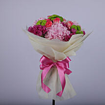 Floral Wish Of Heartfelt Love: Send Mothers Day Gifts to Oman