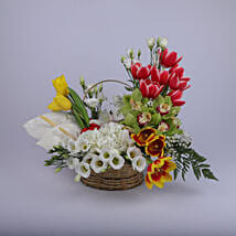 Gleaming Floral Basket: Mothers Day Gifts Oman