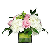 Opulent Floral Greetings: Thank You Gift Delivery in Oman