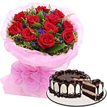 Delectable Cake With Rose Bouquet: Cake Delivery In Cebu