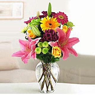 Festive Bouquet: Send Flowers to Cebu