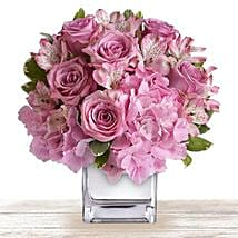 Pink Floral Expressions: Send Mother's Day Flowers to Qatar