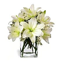 Casablanca Lilies in Vase: Christmas Flowers Singapore