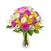 Mix Roses in Vase: Roses Delivery in Singapore