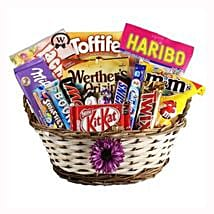 Best Treats Basket: Corporate Gifts to Spain