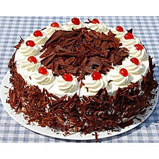 Black Forest Cake: Valentine Cakes in Thailand