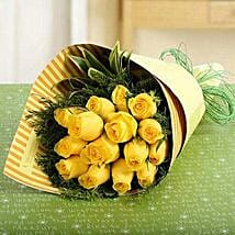 15 Yellow Roses Bunch: Valentine's Day Roses to UAE