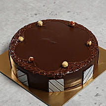 500gm Hazelnut Chocolate Cake: Cake Delivery in Fujairah