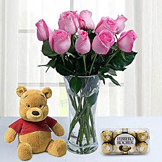 Adorable gift combo: Flowers and Chocolates to Dubai