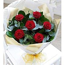 Beauty of Love: Send UAE Flowers for Her