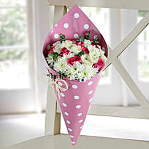 Daisy and Pink Rose Bunch: New Arrival Gifts to UAE