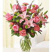Pleasantly Pink: Send Flowers for Wife to UAE