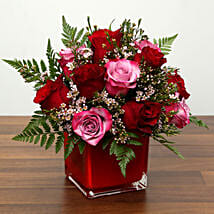 Red and Pink Roses In A Vase: Valentine's Day Rose Delivery in UAE