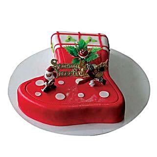 Season Treat: Christmas Cakes to Dubai