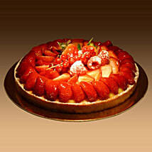 Strawberry Tart: Christmas Cake Delivery in UAE
