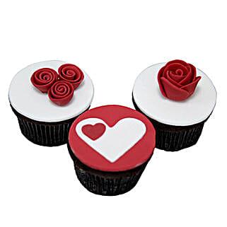 Valentine Cup Cakes: Valentine's Day Cake Delivery in Dubai