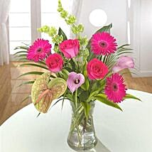 Opulent Bouquet: Wedding Gift Delivery in UK