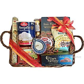 Diwali Greetings: Send Diwali Gifts to USA