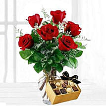 Six Red Roses With Chocolates: Birthday Combos to USA